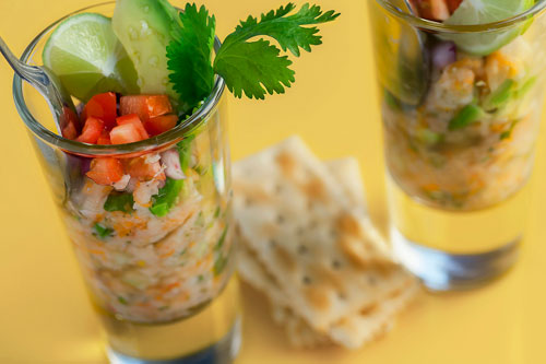 Ceviche accompanied of crackers